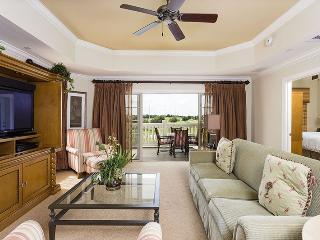 Relax in Centre Court, 3 Bed Luxury Condo Central Location in Reunion - Reunion vacation rentals