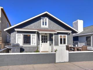 Quaint Remodeled Cottage -  3 Houses To The Sand! - Newport Beach vacation rentals