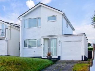 SEASCAPE, detached, some beach views, parking, garden, in Saundersfoot, Ref 21545 - Pembrokeshire vacation rentals