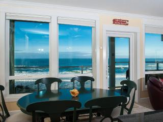 *Promo!* - Corner Oceanfront Condo - Private Hot Tub, Indoor Pool, WiFi, HDTV! - Lincoln City vacation rentals