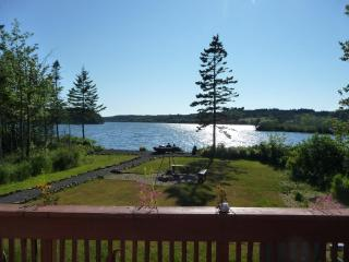 Beautiful Cottage with Deck and Microwave - Digby vacation rentals