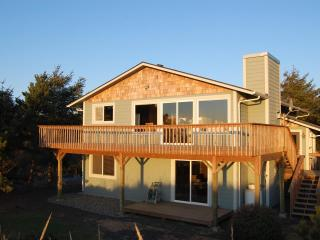 Nature Beach House - Oceanfront - Ocean Shores vacation rentals