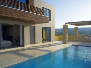 Villa Harmony,cretan luxury living in Kasteli - Afrata vacation rentals