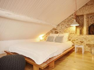 Romantic escape at downtown (Baixa/Chiado) - Lisbon vacation rentals