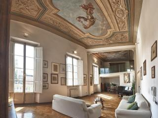 Dazzing 3 Bedroom Rental Apartment at La Sinagoga - Florence vacation rentals