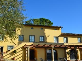 Villa Manzano - Luxury with pool and amazing views - Camucia vacation rentals