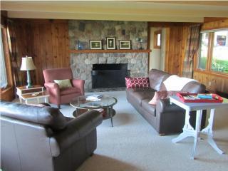 4 Bedroom home on Lake Macatawa near Lake Michigan - Holland vacation rentals