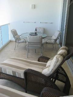 Gorgeous Condo with Internet Access and Dishwasher - Oistins vacation rentals