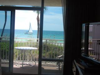 Anna Maria Island Beachfront studio appartment - Florida vacation rentals
