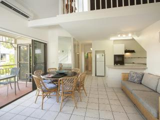 3 Bedroom Apartment in the heart of Port Douglas - Port Douglas vacation rentals