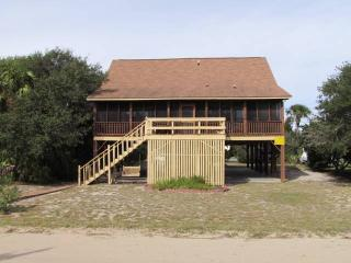 "2506 Palmetto Blvd. - ""Bennett Cabin"" - Edisto Beach vacation rentals"