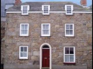 Front of Building - Flat 7, Spanish Ledge, St Marys. Isles of Scilly - Hugh Town - rentals