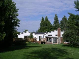 Upper James Manor Kawarthas Peterborough Ontario - Peterborough vacation rentals