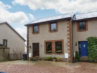 BRAESIDE family friendly, close to village, near to Loch Lomond in Aberfoyle Ref 18172 - Stirling vacation rentals