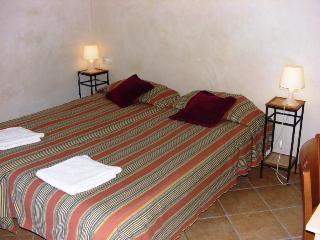 Family apartment - Plaza Cataluña Barcelona 9 - Empuriabrava vacation rentals