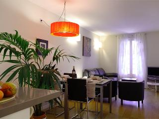 Ramblas apartment for 6 guests - Barcelona 23 - United States vacation rentals