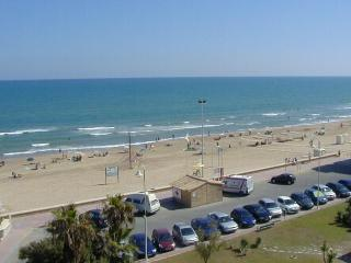 Alborada beach front apartment - Guardamar del Segura vacation rentals