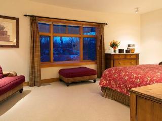 Granite Ridge Lodge  - 4BR Home + Private Hot Tub #8 - LLH 63257 - Teton Village vacation rentals