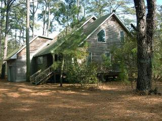 Nice 4 bedroom House in Chincoteague Island with Deck - Chincoteague Island vacation rentals