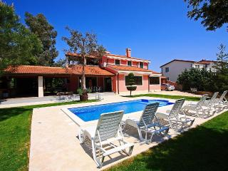 Villa with pool for rent near Pula, Istria - Stinjan vacation rentals