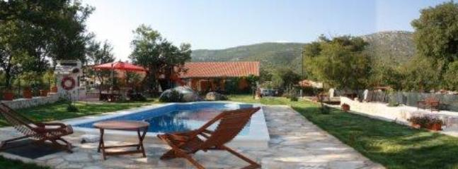 Villa with pool for rent in village, Trogir area - Image 1 - Trogir - rentals