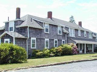 15 Grayton Ave - Hyannis Port vacation rentals