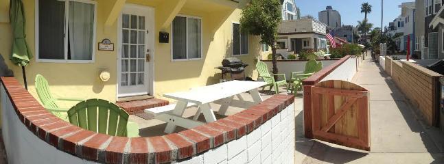 North Mission Beach Villa! Sleeps 12 - Image 1 - Pacific Beach - rentals