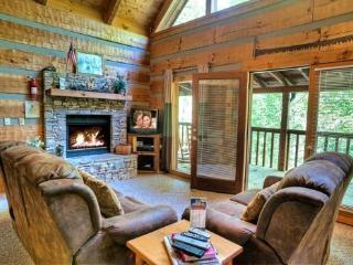 COZY MOUNTAIN HIDEAWAY - Gatlinburg vacation rentals