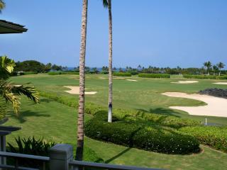 Four Seasons 3BD Split-Level Palm Villa, Great Views, Showroom Quality Remodel - Kailua-Kona vacation rentals