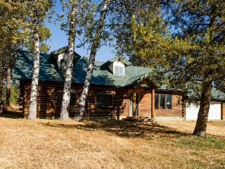 Beautiful cabin with private hot tub - McCall vacation rentals