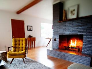 Beautiful coastline home with gourmet kitchen, hot tub - Arch Cape vacation rentals