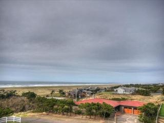 Pet-friendly condo w/ ocean views; steps from beach! - Gearhart vacation rentals