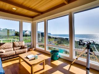 A luxury, oceanfront beach home with private hot tub - dogs OK! - Neskowin vacation rentals