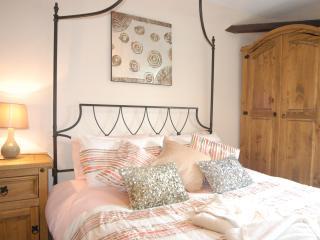 Upper Apartment, Robertsbridge Retreat Apartments - Robertsbridge vacation rentals