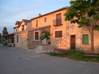 Casa Rural El Zaguán de Cabanillas - Segovia Province vacation rentals