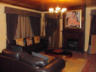 Beautiful B&B with Internet Access and Satellite Or Cable TV - Bloemfontein vacation rentals