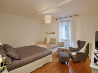 CR895 - 4 Floor - Rome vacation rentals