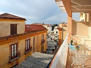 Appartamento Plinia F - Image 1 - Sorrento - rentals