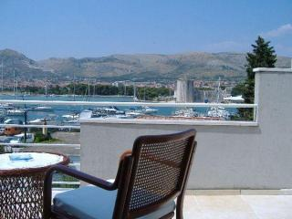1 bedroom Apartment with Internet Access in Trogir - Trogir vacation rentals
