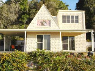 Cooroy Country Cottages (Cooroora Cottage) - Cooroy vacation rentals