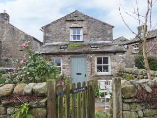 EAST HOUSE stone-built, en-suites, open fire in Hawes Ref 23441 - North Yorkshire vacation rentals