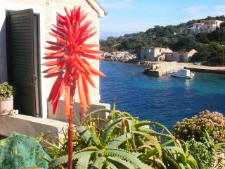 Seafront house for rent, Donja Krusica, Solta - Croatia vacation rentals