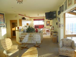 2 bedroom Condo with Deck in Fairbanks - Fairbanks vacation rentals