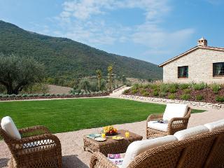 San Costanzo - Fratticiola Selvatica vacation rentals