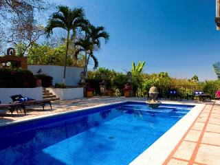 Spacious 6 bedroom Villa in La Quemada with Deck - La Quemada vacation rentals