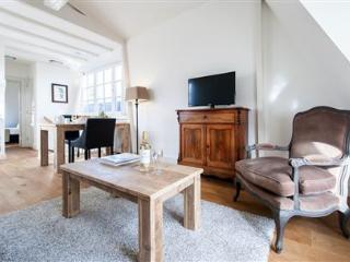 Jordaan Laurier Apartment E - Amsterdam vacation rentals