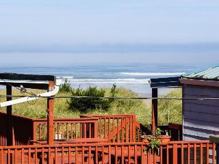 Ocean views, bright interior, and pet-friendly! - Rockaway Beach vacation rentals