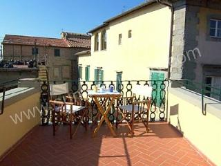 Romantic House with Internet Access and Dishwasher in Cortona - Cortona vacation rentals