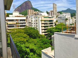 Leblon Charming 2 Bedroom - Rio de Janeiro vacation rentals