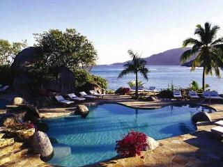 Luxury 4 bedroom Virgin Gorda, BVI villa. 180 degree panoramic views of the bay and surrounding islands! - Spanish Town vacation rentals